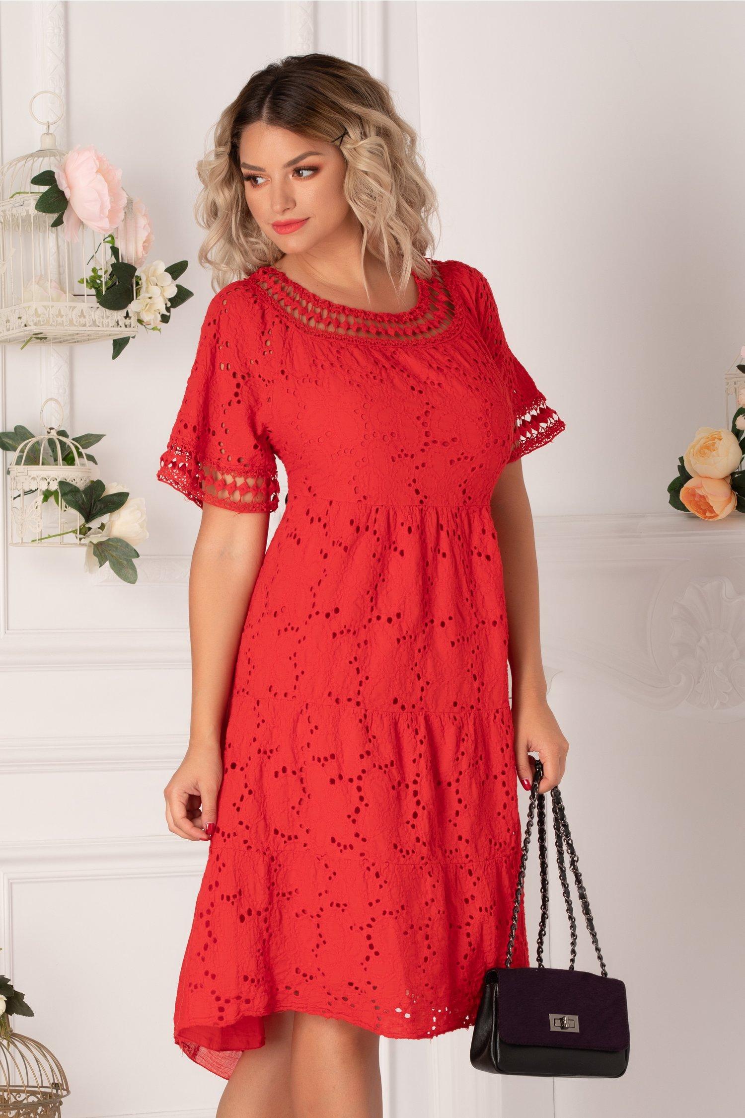 Rochie Fabia rosie cu perforatii pe fata