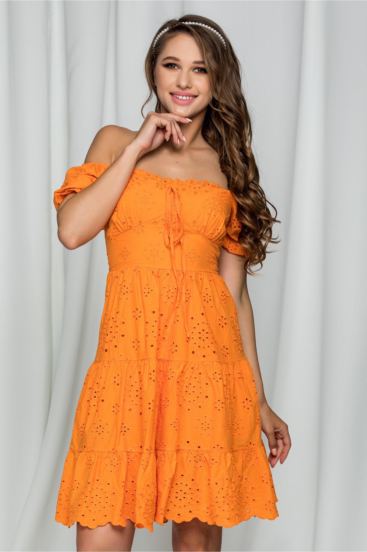 Rochie Florina orange cu maneci bufante si model ajurat