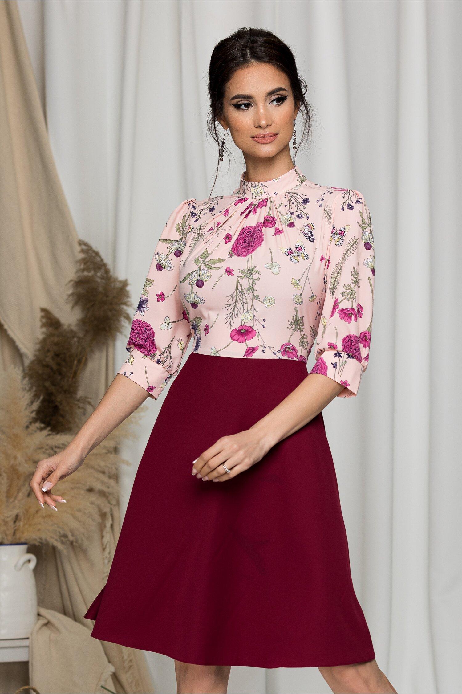 Rochie Georgiana bordo cu imprimeu floral si bust roz
