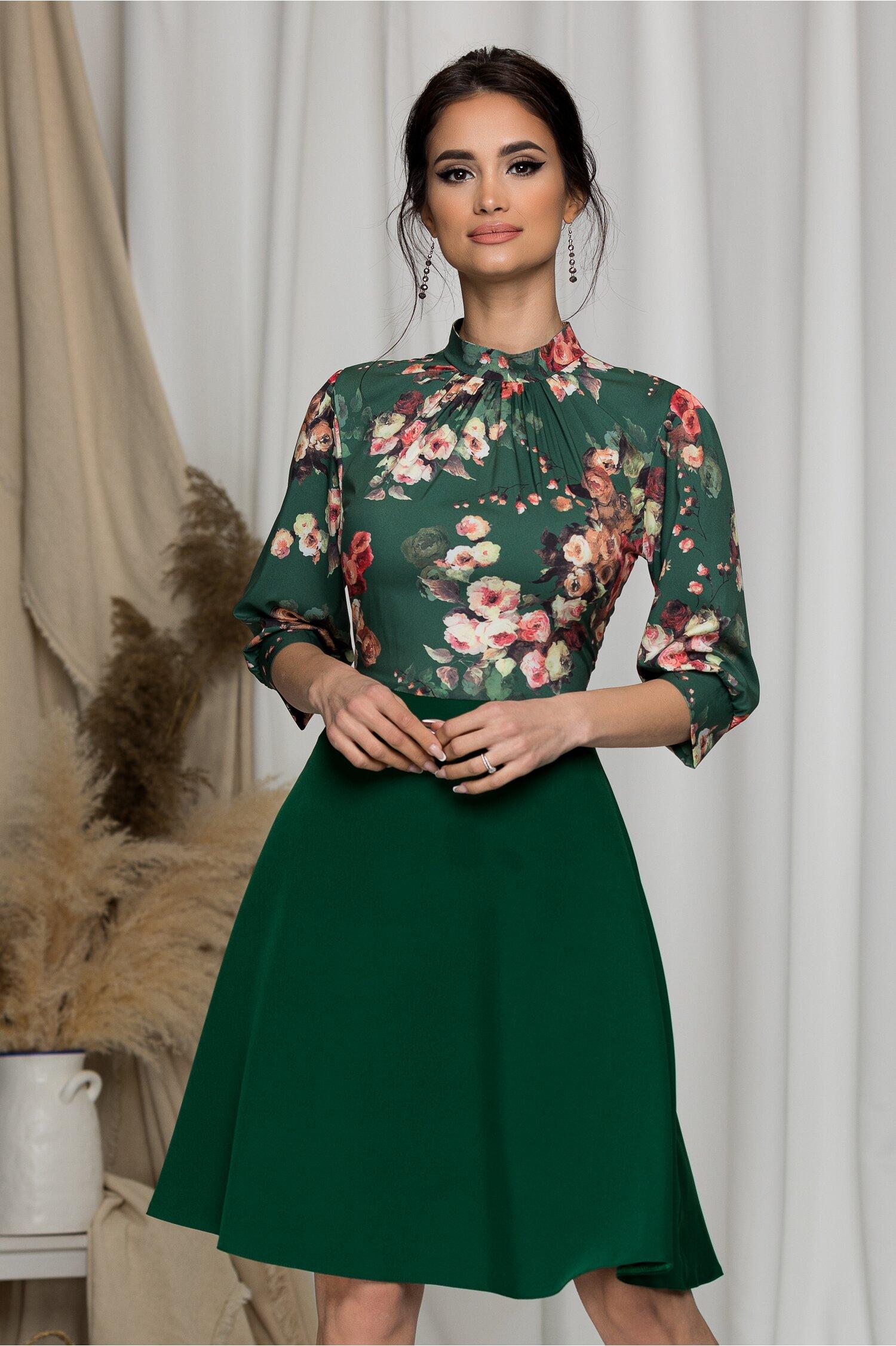 Rochie Georgiana verde cu imprimeu floral cu trandafiri
