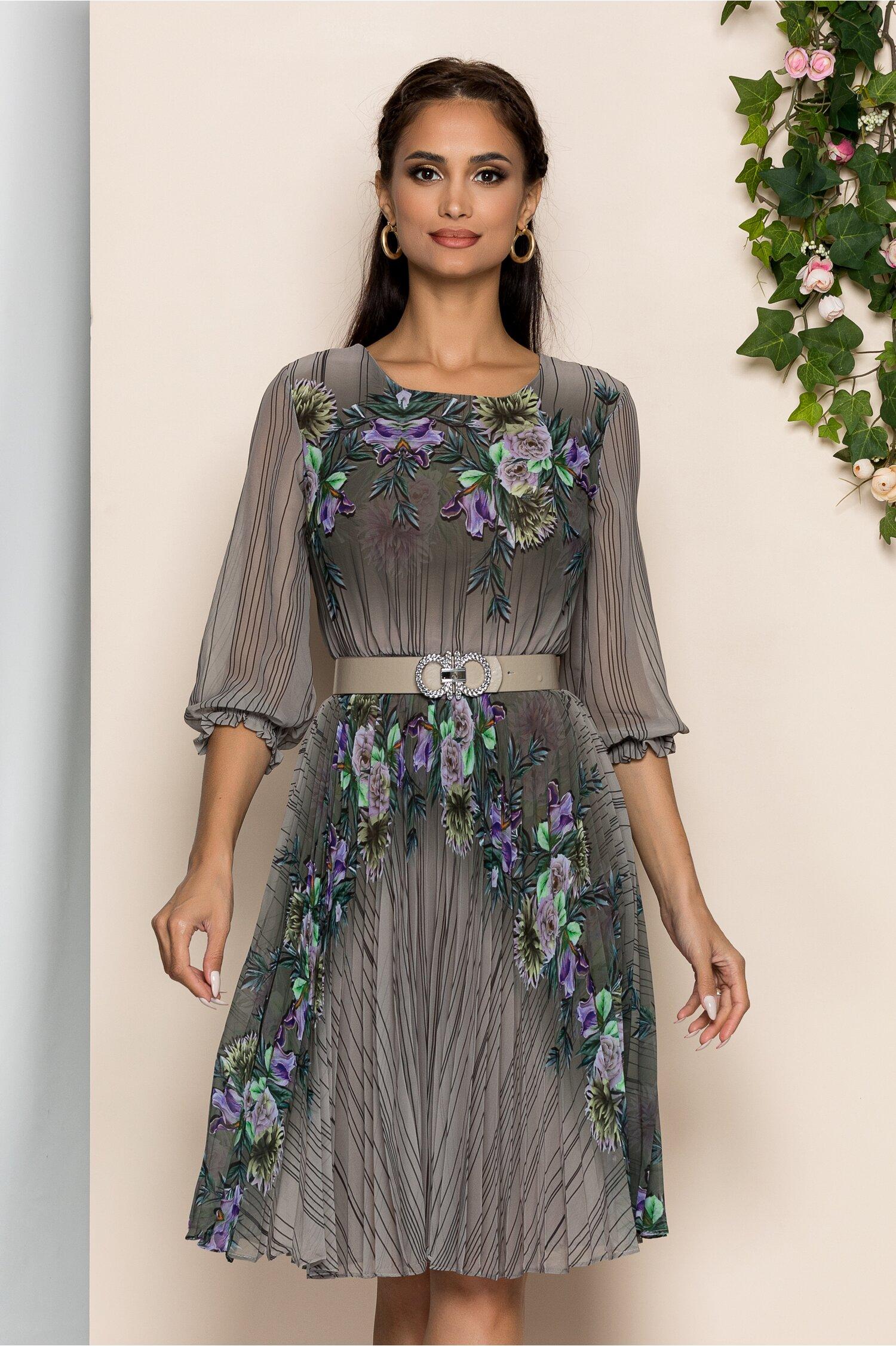 Rochie Georgina verde army cu imprimeu floral mov si pliuri pe fusta