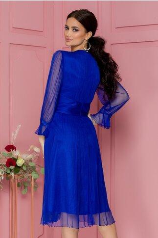 Rochie Ginette albastra din tull de matase cu broderie florala si paiete la maneci