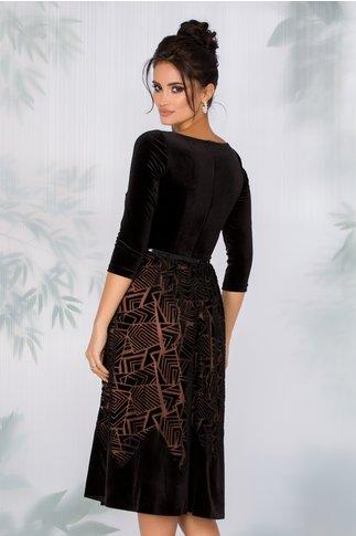 Rochie Ginette neagra din catifea cu motive geometrice