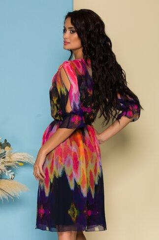 Rochie Ginette neagra din voal cu imprimeu multicolor
