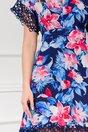 Rochie Iarina bleumarin cu imprimeu floral si insertii din dantela