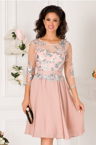 Rochie Iarina roz prafuit cu broderie florala bleu