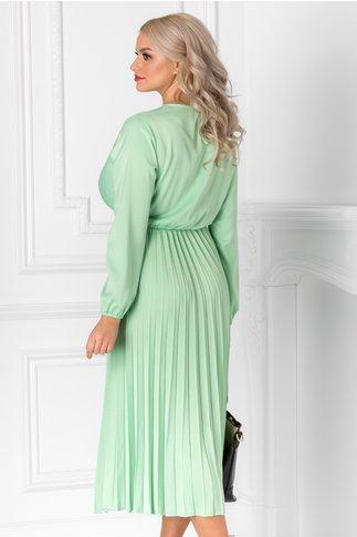 Rochie Irissa verde deschis si decolteu petrecut