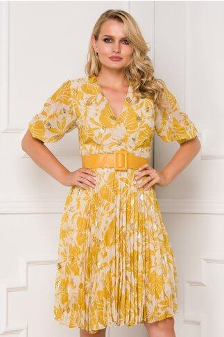 Rochie Isabella galbena cu imprimeu tropical si fusta plisata