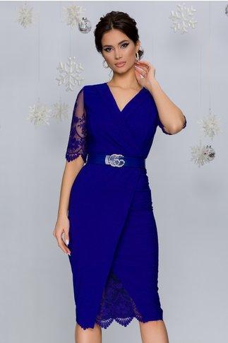 Rochie Ivette albastra accesorizata cu tull brodat cu motive florale