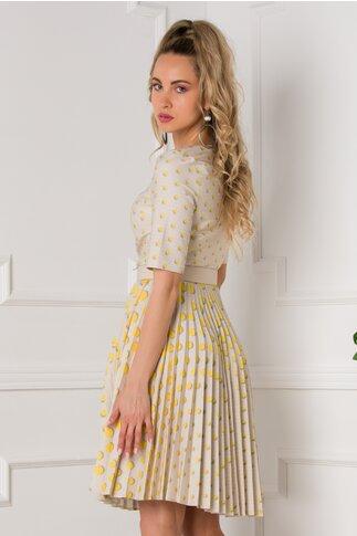 Rochie Ivonne bej cu fusta plisata si imprimeu cu buline galbene