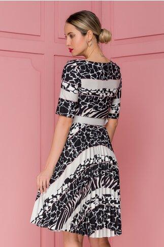 Rochie Ivonne neagra cu fusta plisata si imprimeuri albe