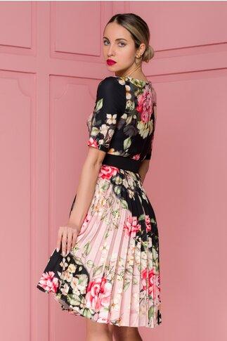 Rochie Ivonne negru si roz cu fusta plisata si imprimeu floral