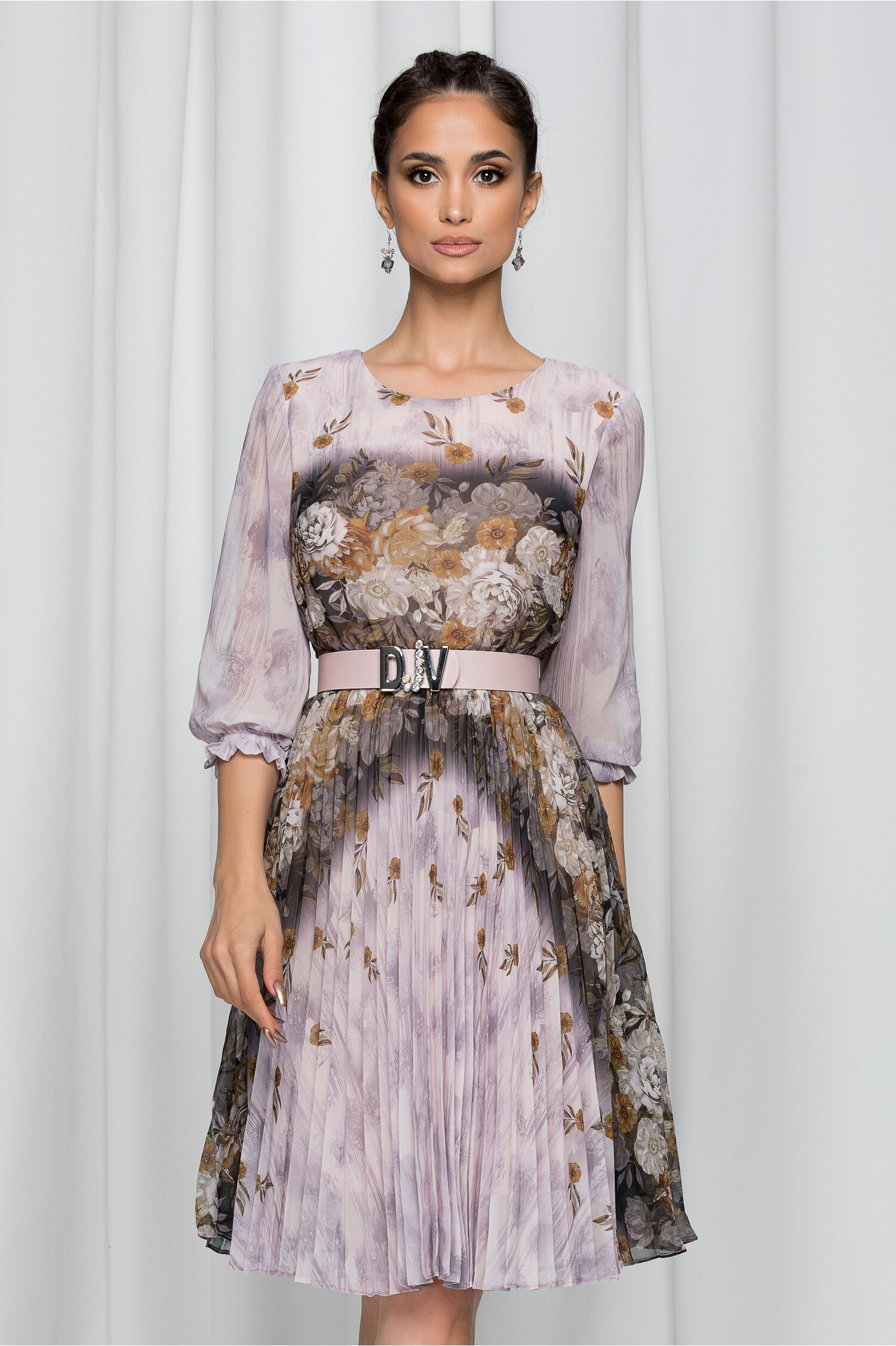 Rochie Jolanda bej cu imprimeu floral si pliuri pe fusta