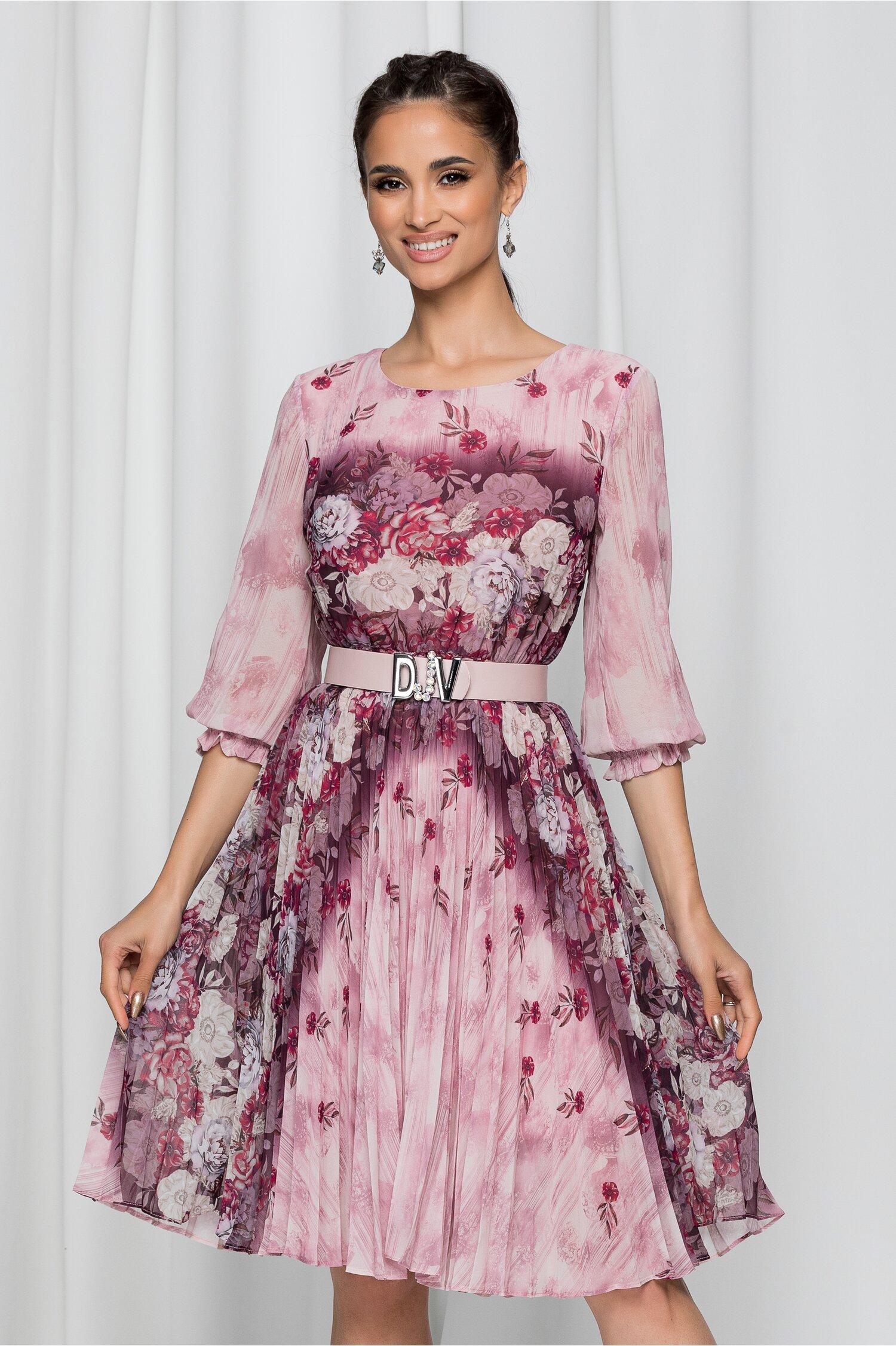 Rochie Jolanda roz cu imprimeu floral si pliuri pe fusta