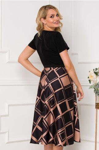 Rochie Kalia neagra cu imprimeu geometric maro pe fusta
