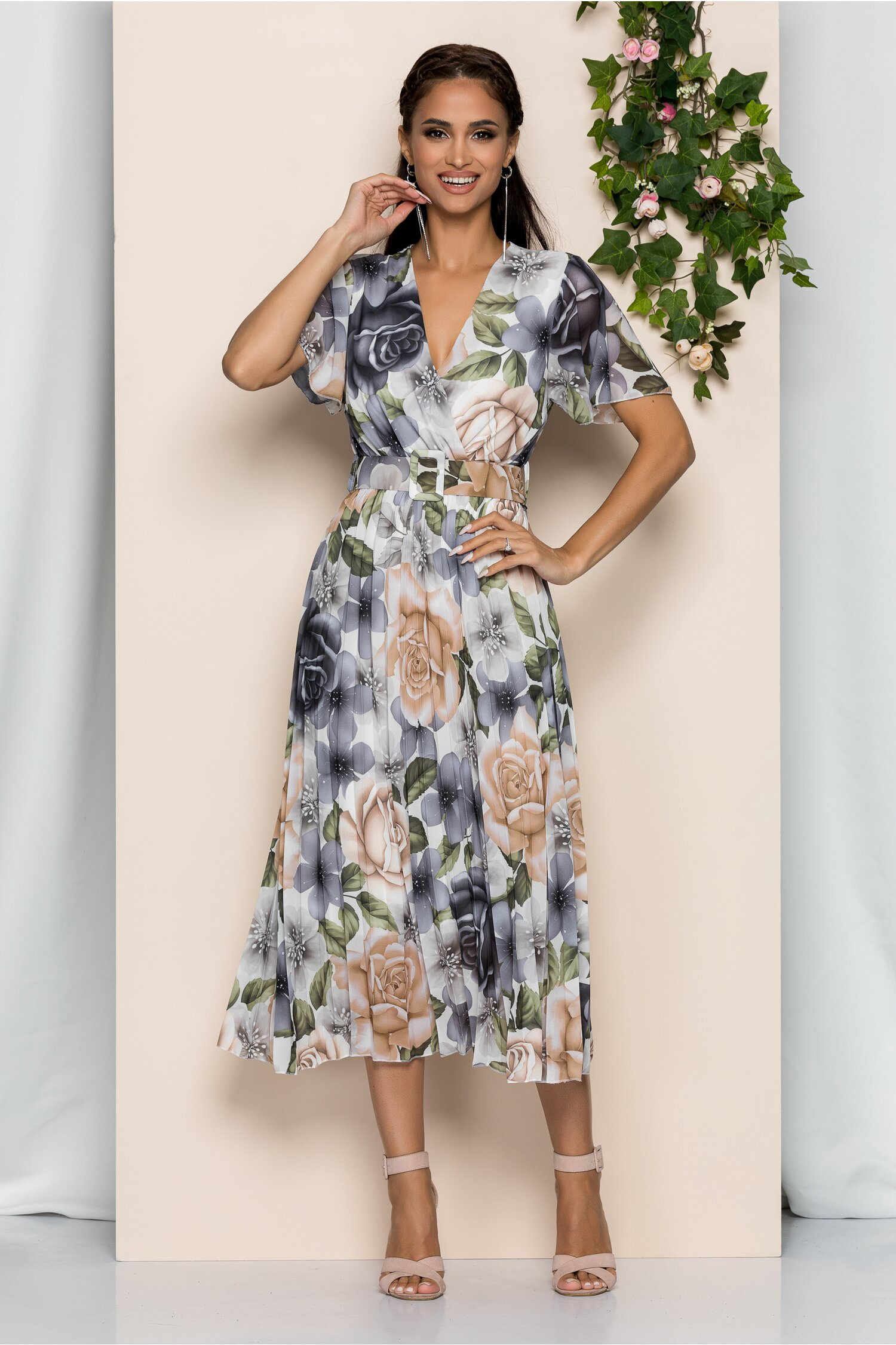 Rochie Kamelia alba cu pliuri pe fusta si imprimeu floral gri