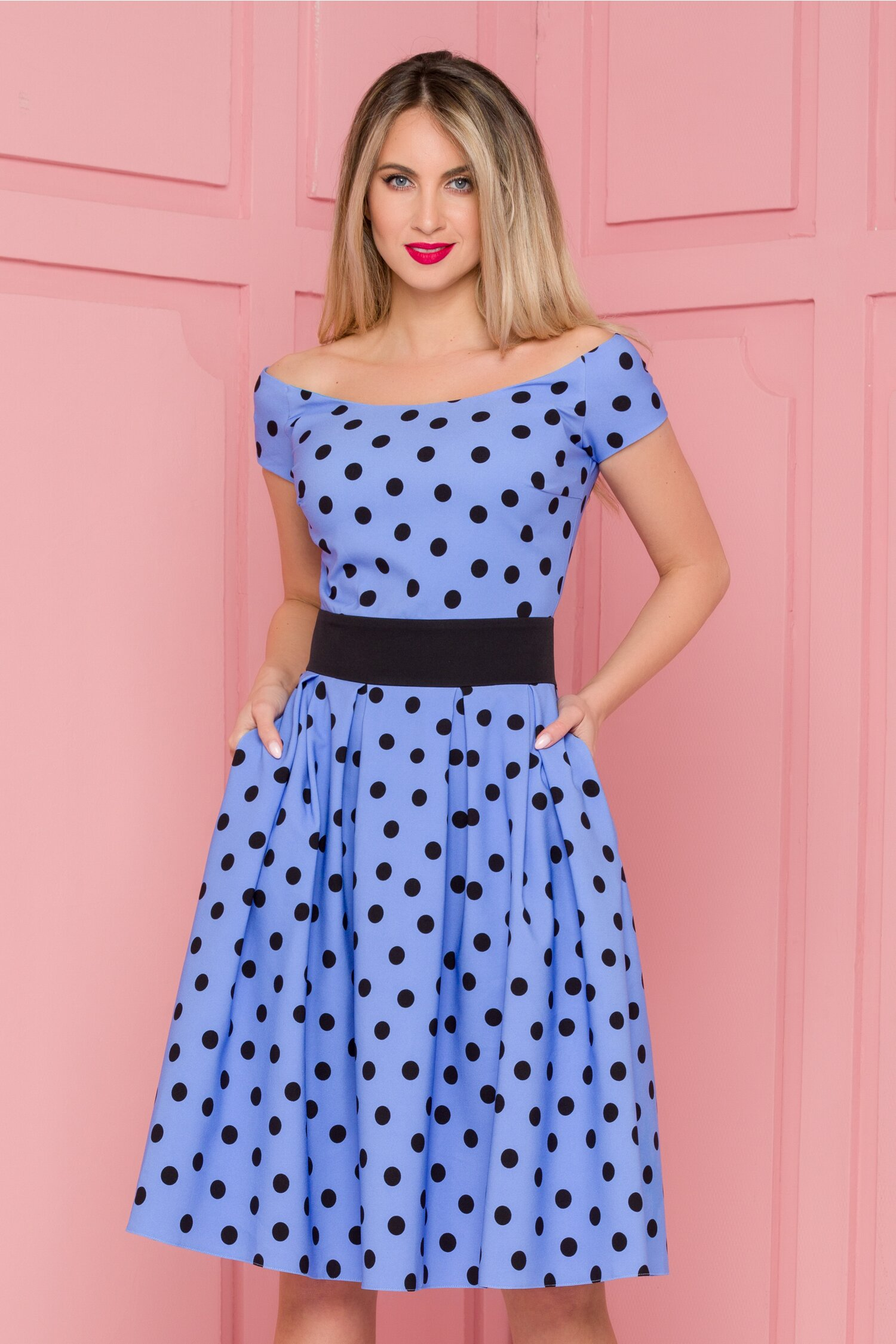 Rochie LaDonna albastra imprimata cu buline negre