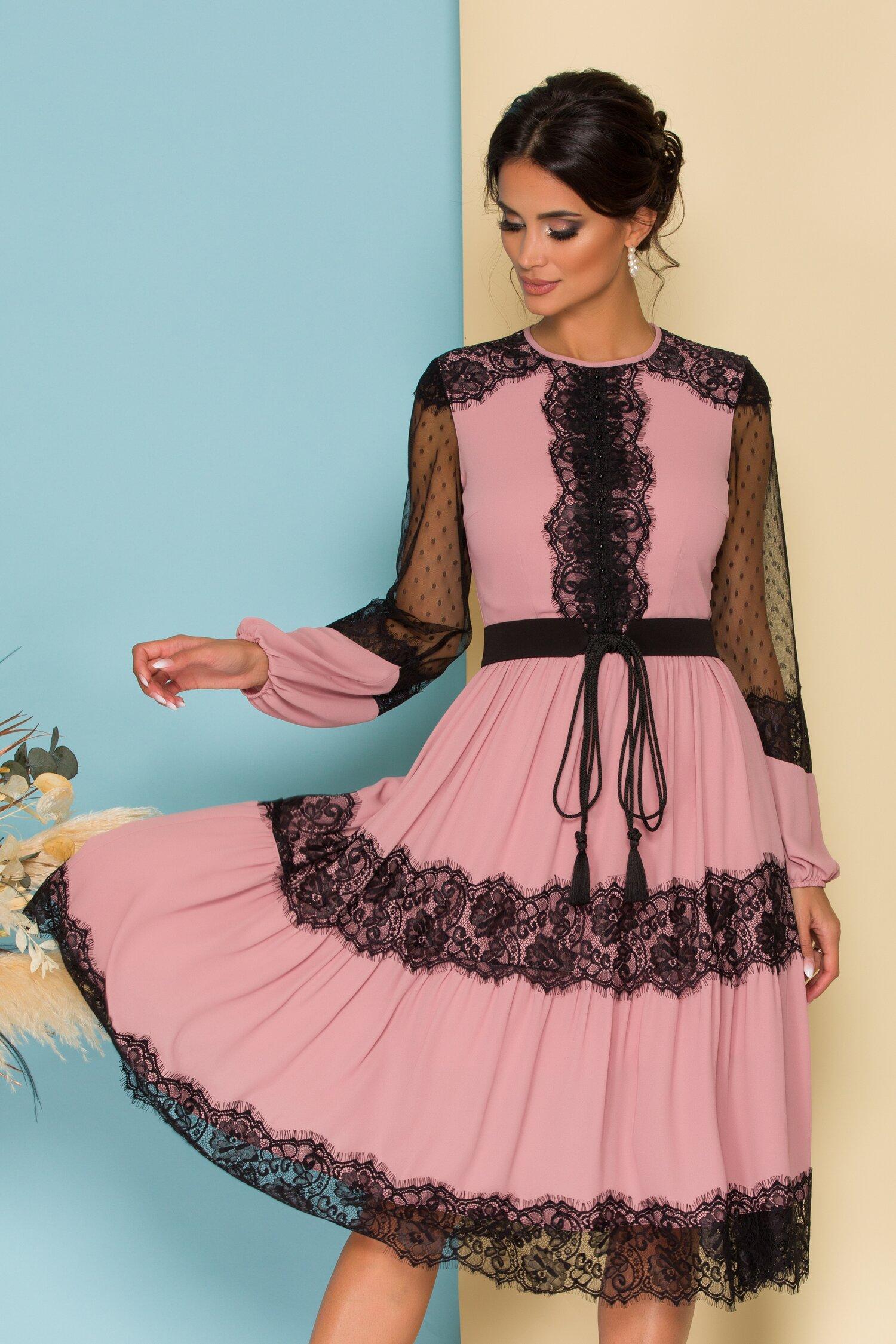 Rochie LaDonna by Catalin Botezatu roz cu dantela chantilly