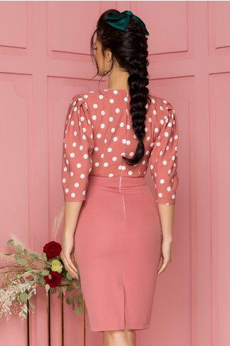 Rochie LaDonna conica roz prafuit cu imprimeu cu buline si umerii plisati