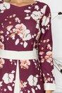 Rochie LaDonna mov cu imprimeu floral si talie marcata