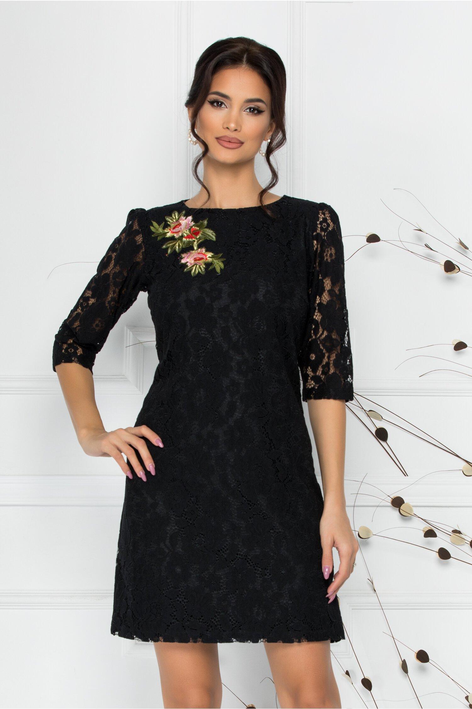 Rochie LaDonna neagra din dantela cu broderie florala la bust