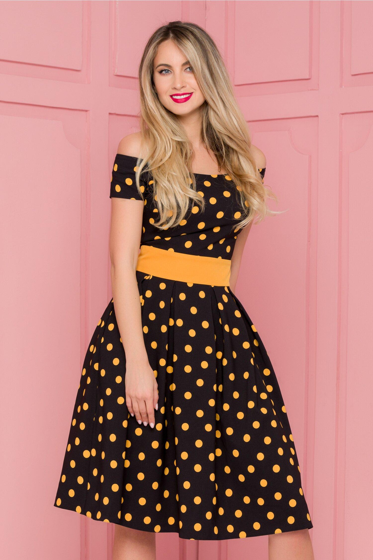 Rochie LaDonna neagra imprimata cu buline galben mustar