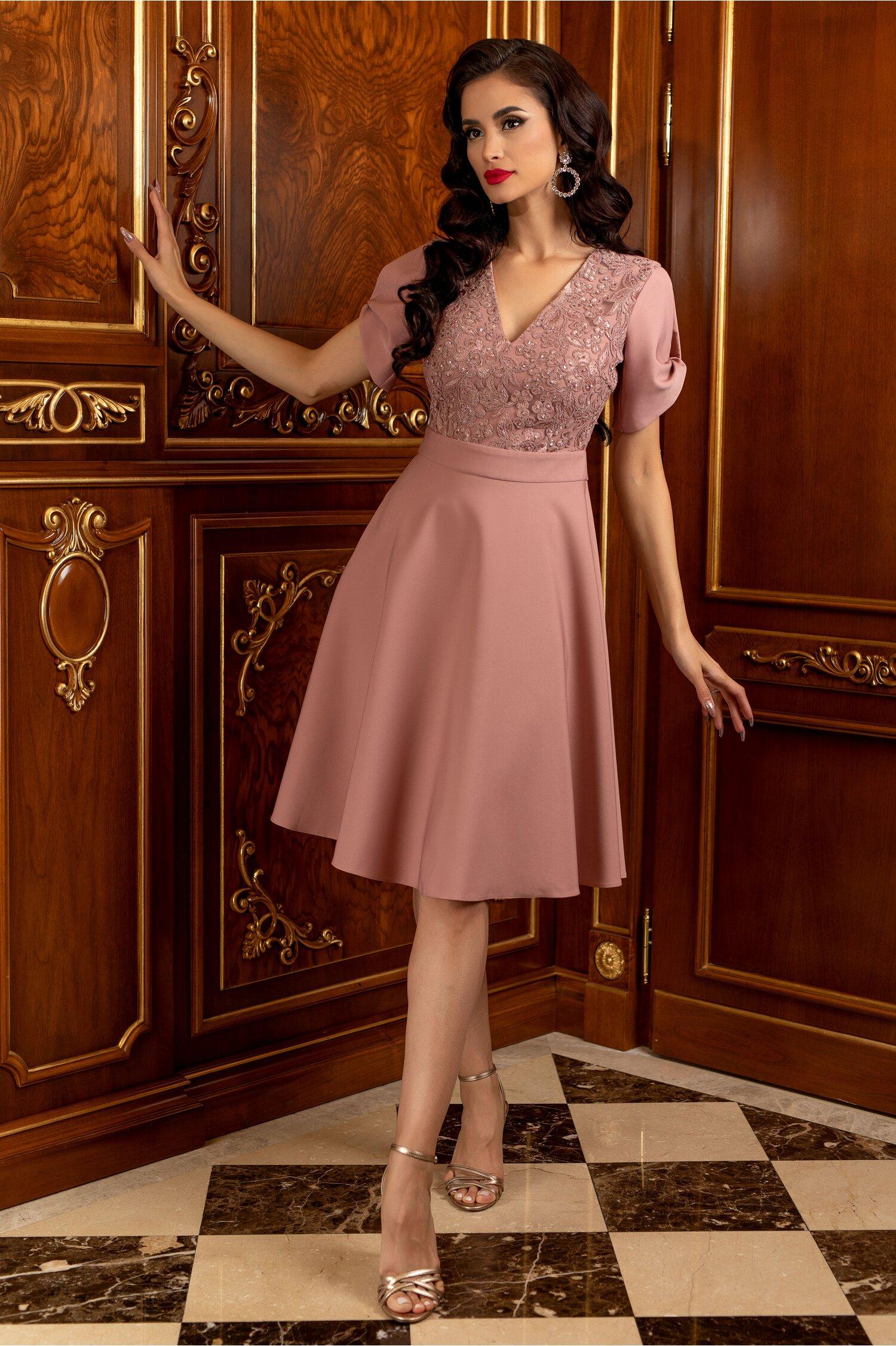 Rochie LaDonna roz decorata cu paiete si broderie la bust