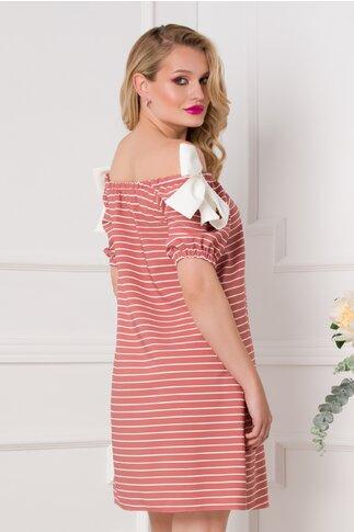 Rochie LaDonna roz prafuit cu imprimeu in dungi fine albe si elastic la decolteu