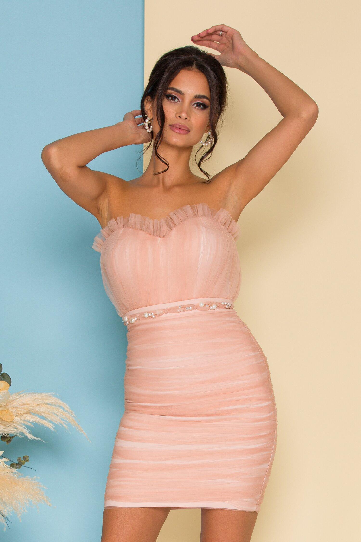 Rochie LaDonna roz pudrat din tull plisat cu perle in talie