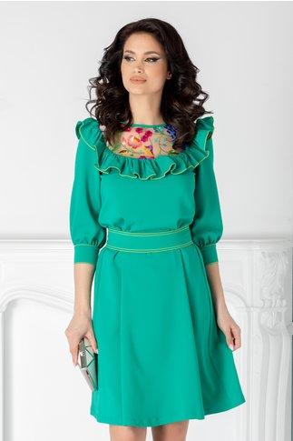 Rochie LaDonna verde cu dantela si volane la bust