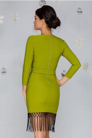 Rochie LaDonna verde cu franjuri si aspect petrecut al fustei