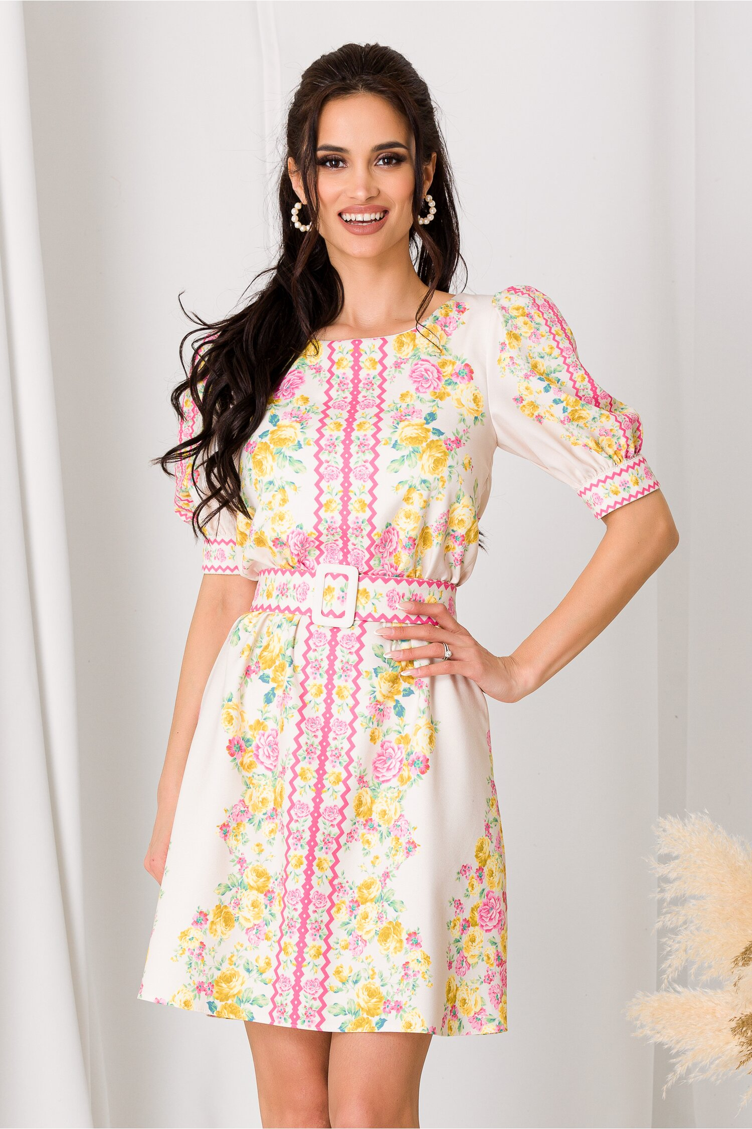 Rochie Lara ivory cu imprimeuri florale roz si galbene