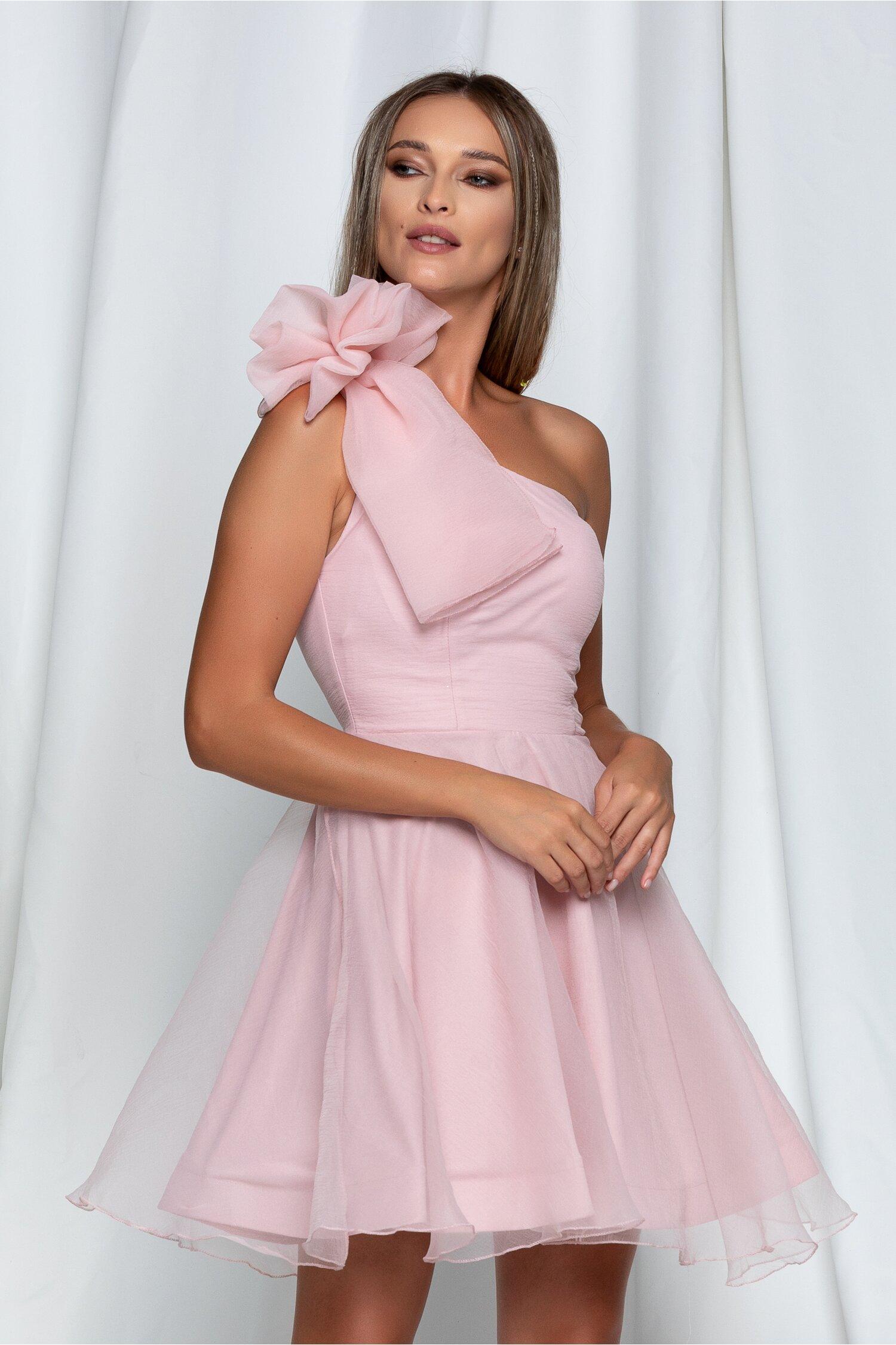 Rochie Laura roz scurta cu aplicatie tip funda maxi