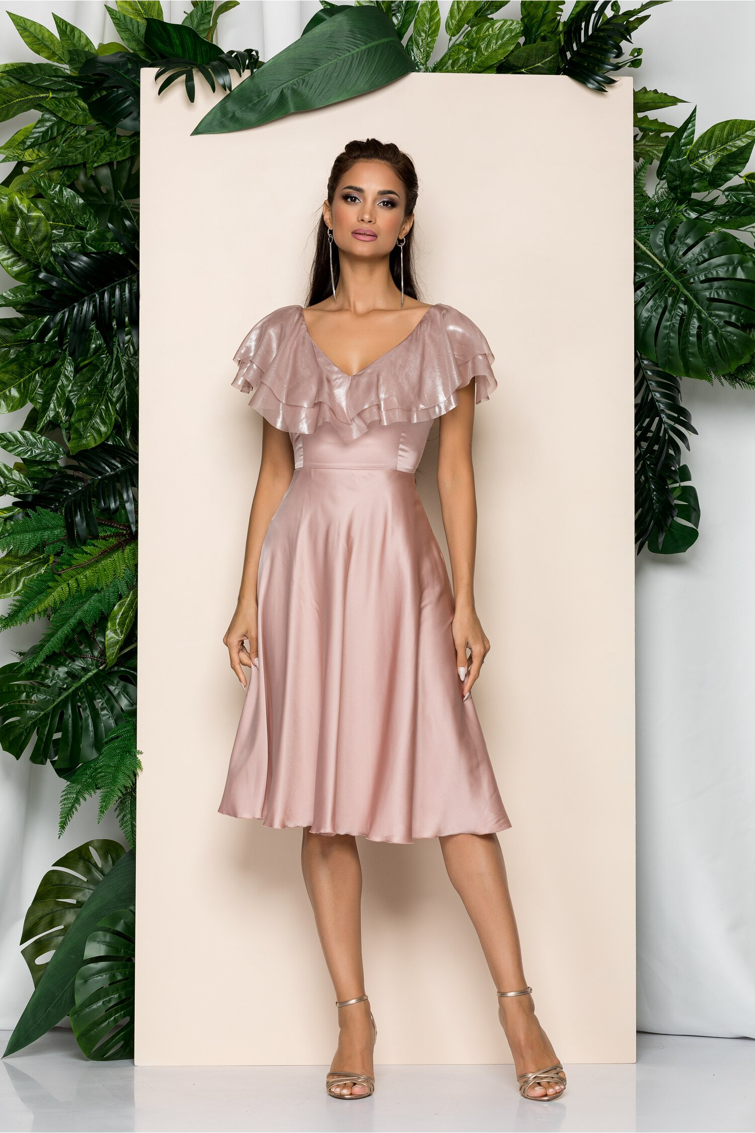 Rochie Leonard Collection roz cu volanase la bust si cordon in talie