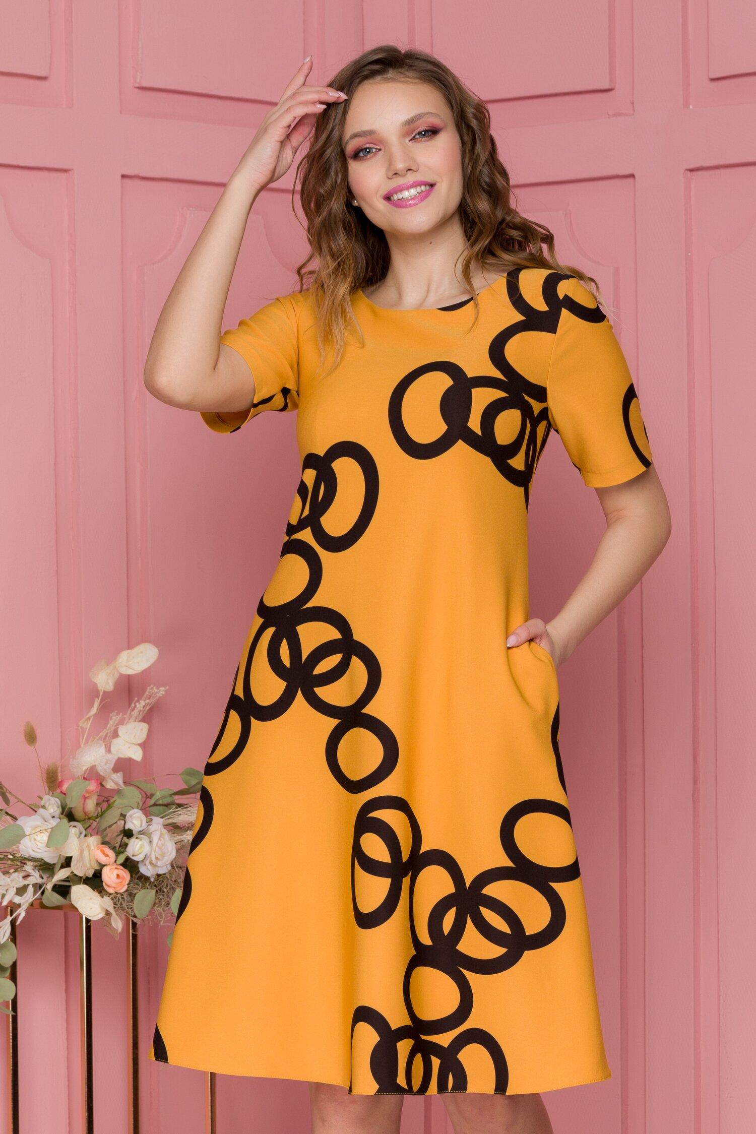 Rochie Livia galben mustar cu imprimeu geometric negru