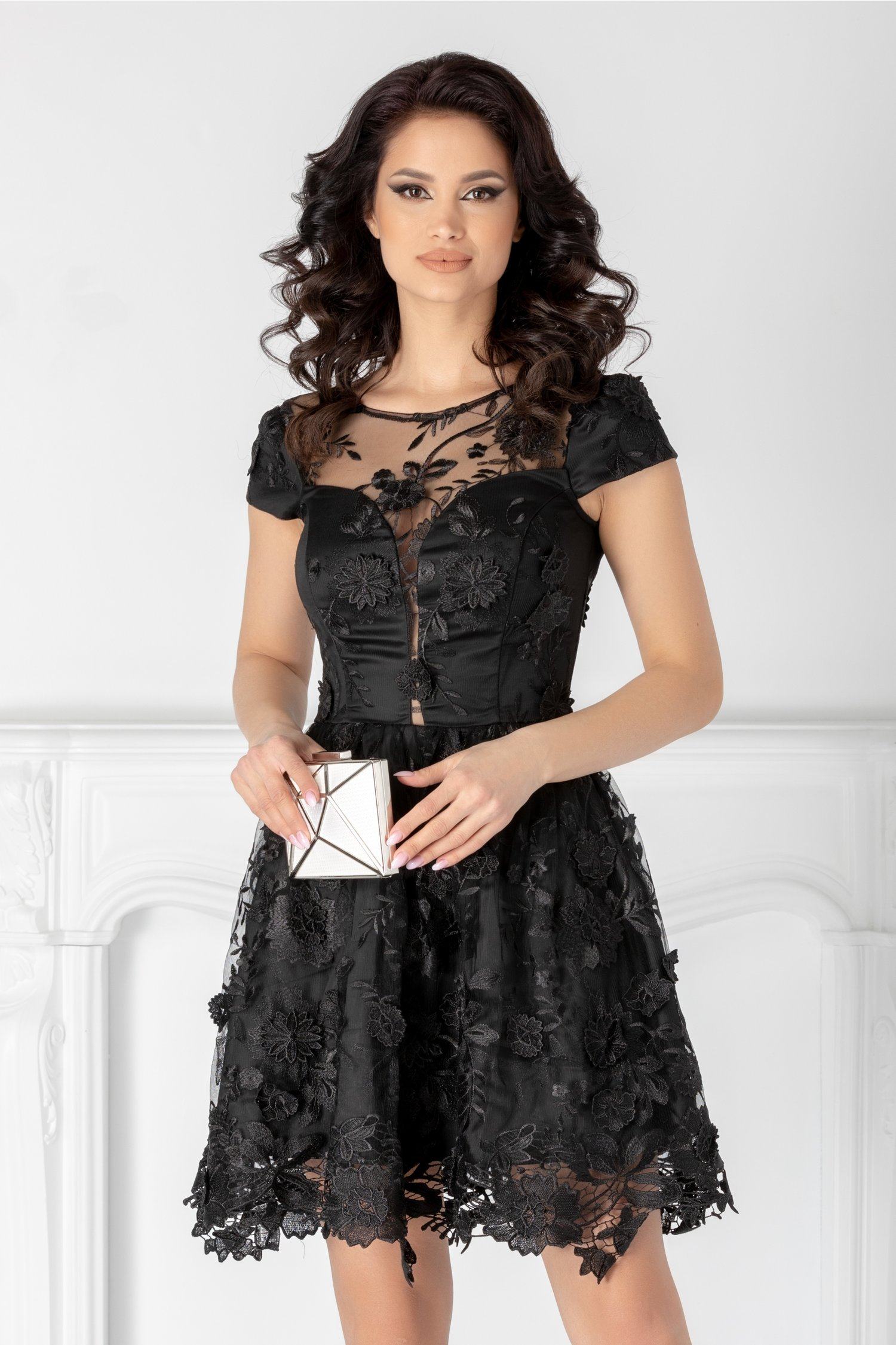 Rochie Liza neagra cu dantela florala 3D