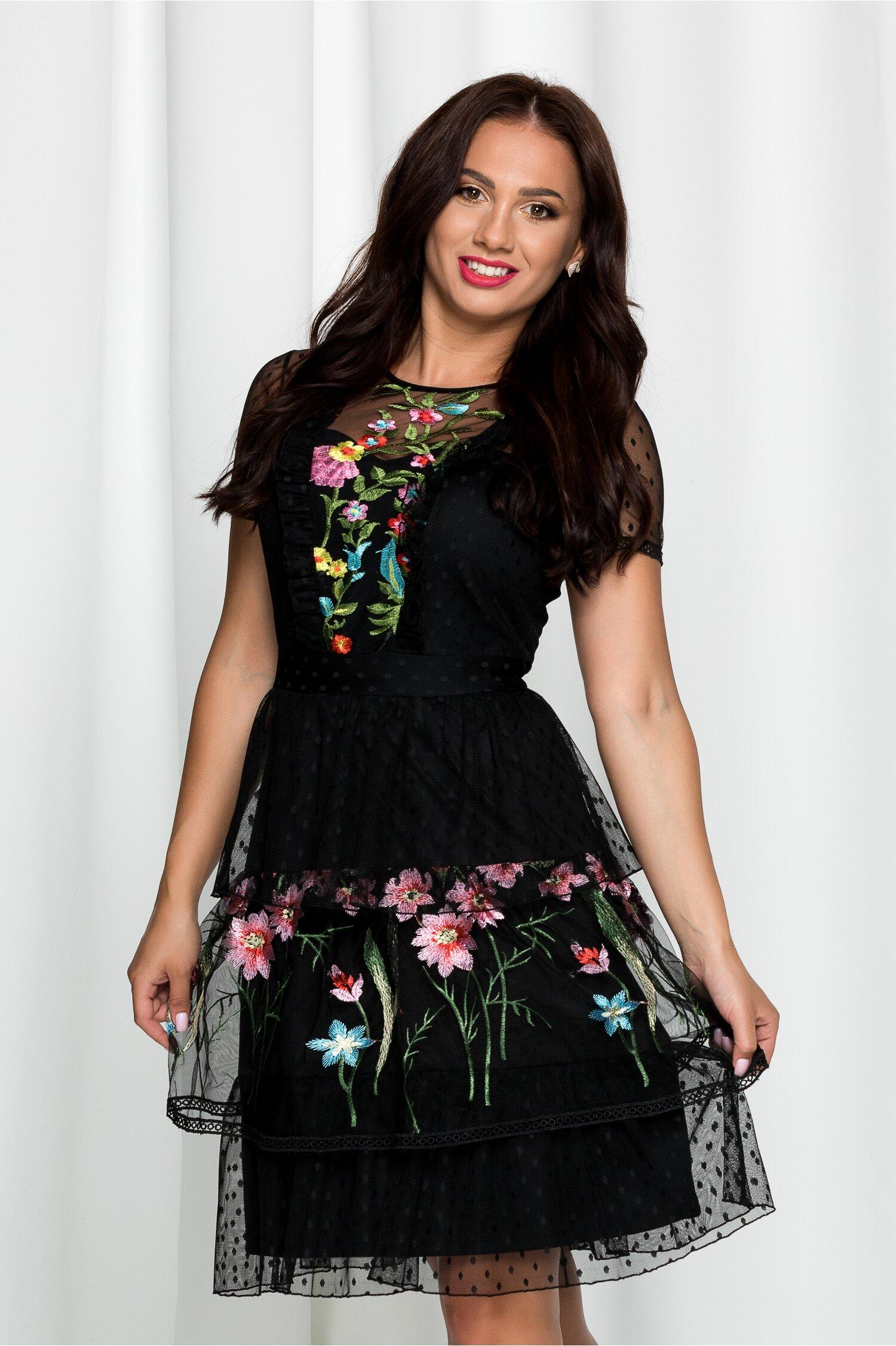 Rochie Lora neagra din tulle cu volane si broderie florala