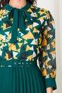 Rochie Lora verde cu fusta plisata si imprimeu geometric galben la bust
