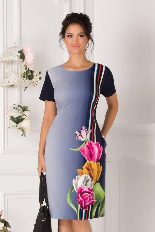 Rochie Malina bleumarin in degrade cu imprimeu floral si dungi pe o parte