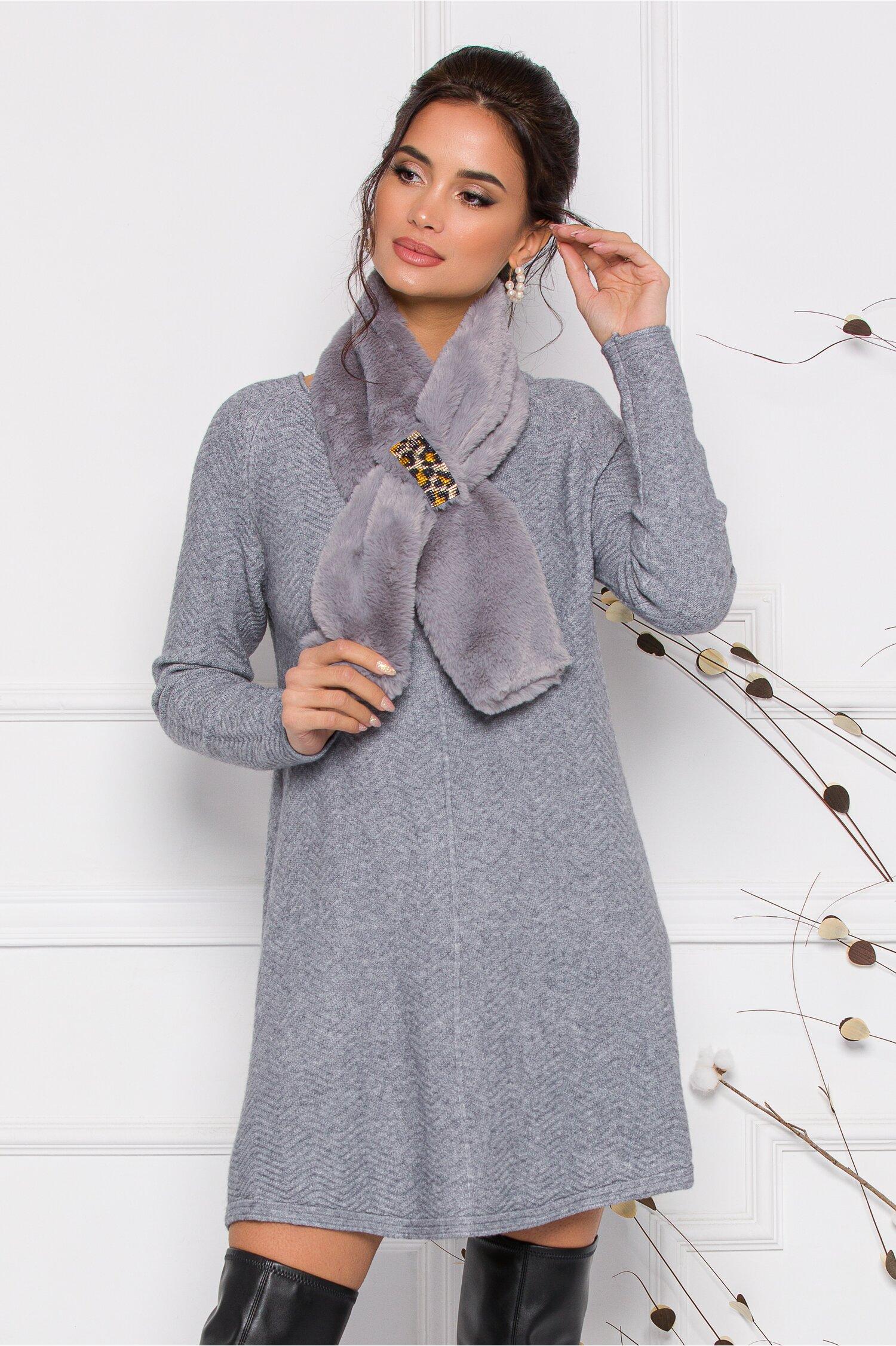 Rochie Mara gri scurta din tricot cu accesoriu tip fular imagine