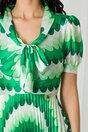 Rochie Masha cu imprimeuri verzi si fusta plisata