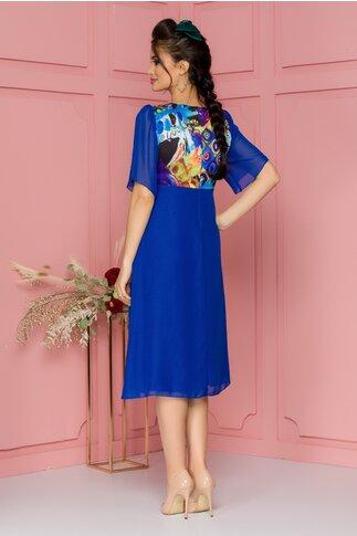 Rochie Maze albastra cu bustul imprimat in nuante vibrante