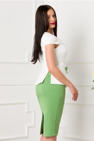 Rochie MBG alb si verde cu peplum in talie