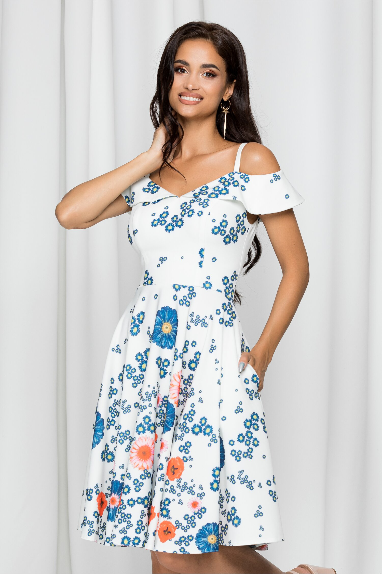 Rochie MBG alba cu imprimeu floral bleu si orange