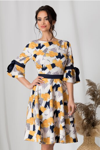 Rochie MBG alba cu imprimeu floral galben si bleumarin