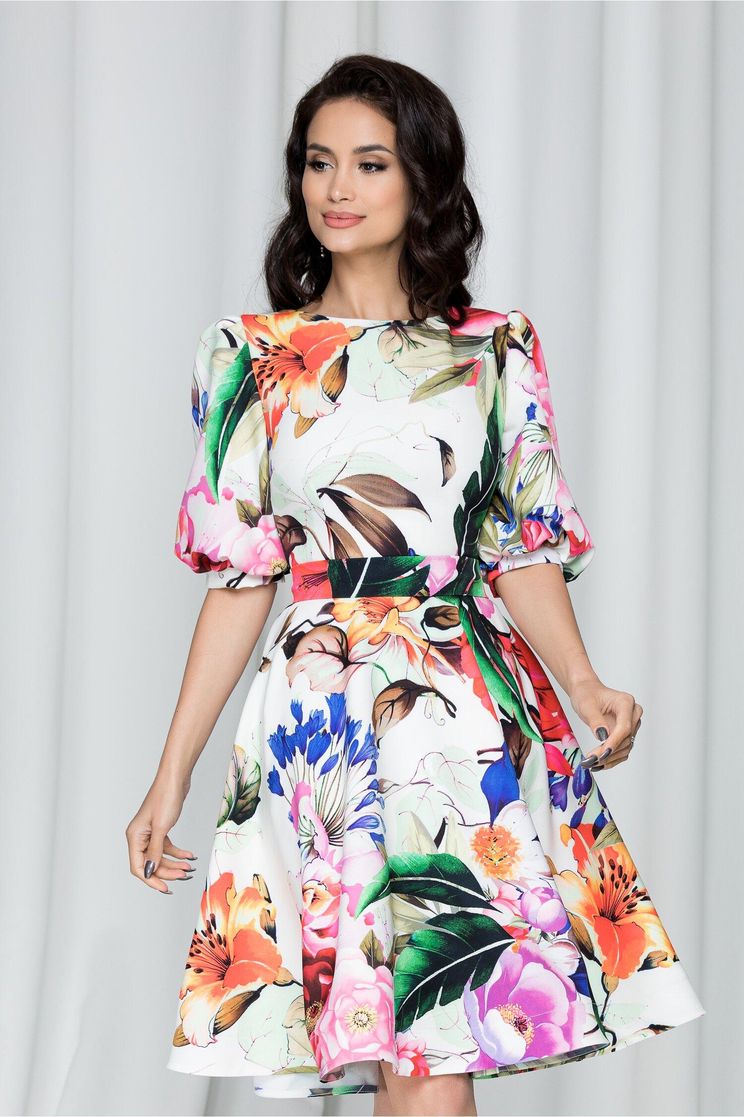 Rochie MBG alba cu imprimeu floral multicolor cu maneci bufante