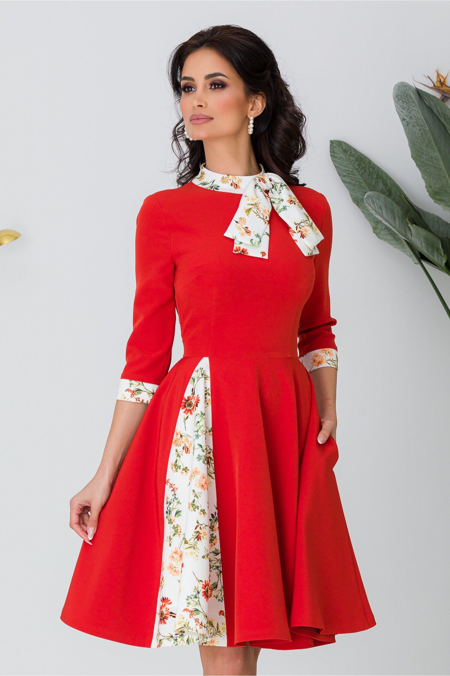Rochie MBG rosie cu imprimeuri florale si funda la gat