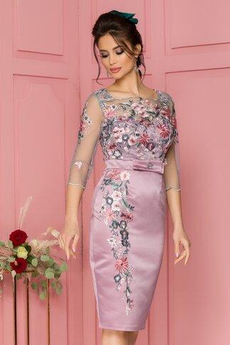 Rochie MBG roz cu broderie florala