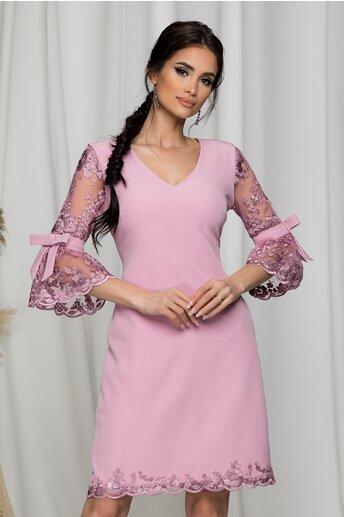 Rochie MBG roz cu maneci din dantela tip clopot