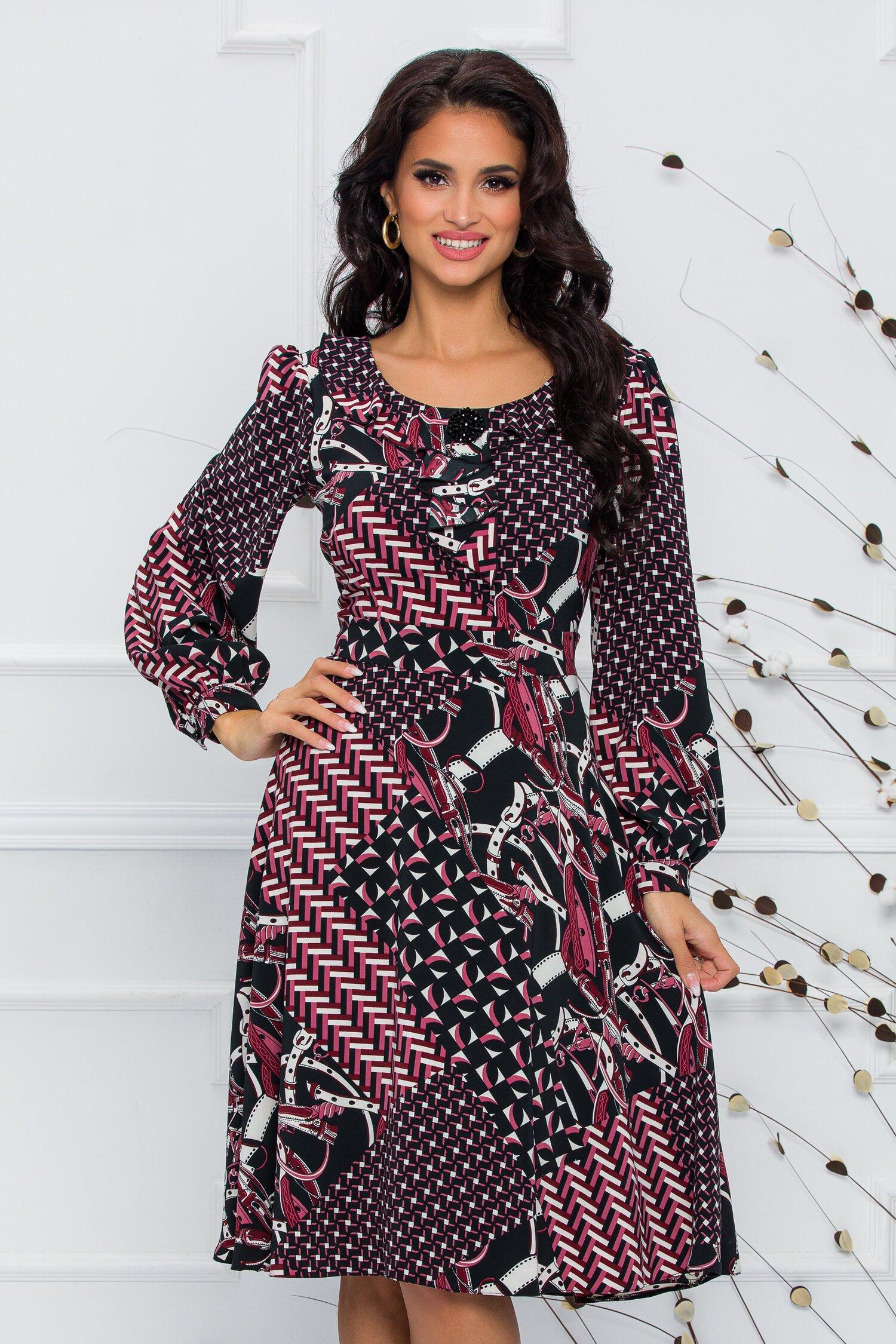 Rochie Mela neagra cu imprimeu divers in nuante de alb si bordo